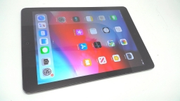Apple iPad Air 64GB, MD793LL/A, Space Gray, Wi-Fi + LTE, Cracked