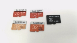 Lot of Five - 32GB Micro SD Memory Cards - Samsung