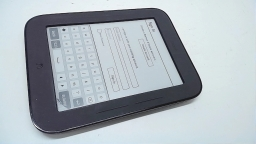 "Barnes & Noble Nook Simple Touch 6"" eReader, BNRV300, 2GB, Gray, Cracked"