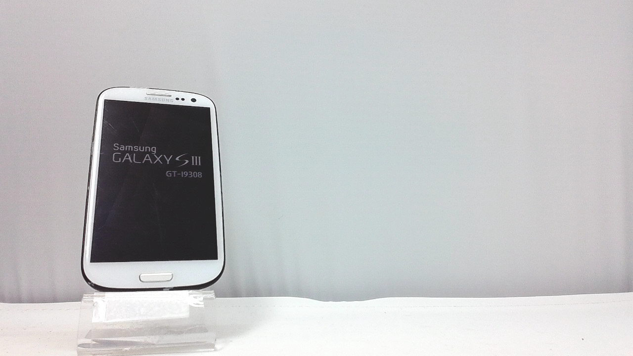 Samsung Galaxy S3 GT-I9308 Unknown Carrier White, Clean ESN S Voice-It responds to you: you can tell the phone to wake up, answer an incoming call, or even take a photo.Smart stay-It waits till you're asleep: the screen maintains a bright display as long as you're looking at it.S Beam-It shares what's in your heart: place two Samsung GALAXY S III's back-to-back and you can transfer pictures, music, videos, and more.Display-4.8 HD Super AMOLED of high-definition display; true and perfect color with ultrafast response time.Advanced Security-It will keep your valuable business asset secure safely and connect to your corporate network securely with leading mobile security solutions and the smart mobile work environment.Locked to an Unknown CarrierDevice has a slot for a SIM card and a MicroSD memory card.Network Type: GSM