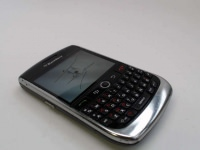 BlackBerry Curve 8900 (Rogers) - Cracked Screen