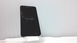 LG Nexus 5X 32GB Unlocked White/Black, Clean ESN - Cracked Glass