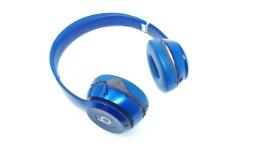 Beats Solo2 WIRELESS On-Ear Headphone - Blue - LOOSE HINGES/WORN PADS