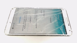 Samsung Galaxy Note 3 SM-N900P White Sprint CRACKED FRONT GLASS