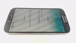 Samsung Galaxy S4 i9500 Black Locked to Unknown Carrier Single Sim Cracked Glass