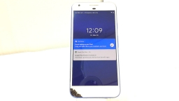 Google Pixel XL G-2PW2100, Unlocked, Azure, 32GB, Cracked Glass