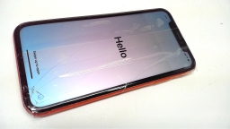 Apple iPhone Xr 128GB, NT3A2LL/A, Coral, Verizon, Cracked, PARTS ONLY
