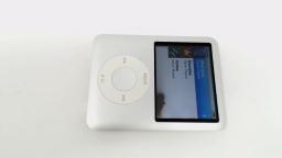 iPod Nano 3rd Gen 4GB A1236 Silver BAD CLICK WHEEL/BAD LCD